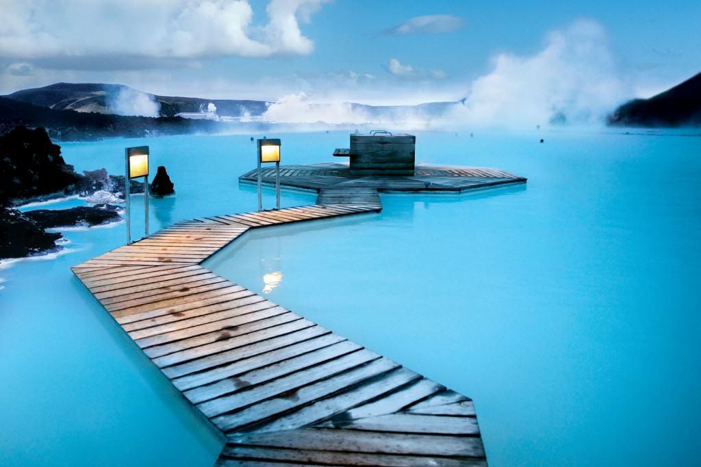 Iceland_Blue-Lagoon-summer