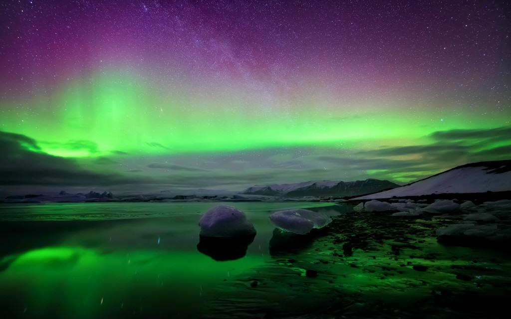 Iceland_northern-lights
