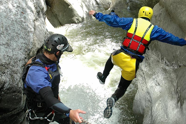 Interlaken_canyoning
