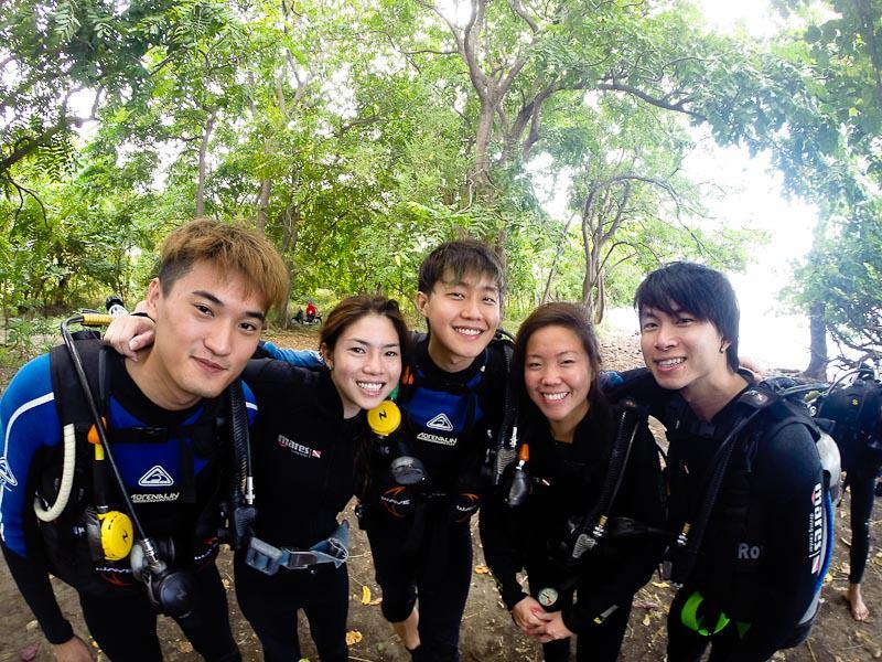 Diving Grp Shot - M