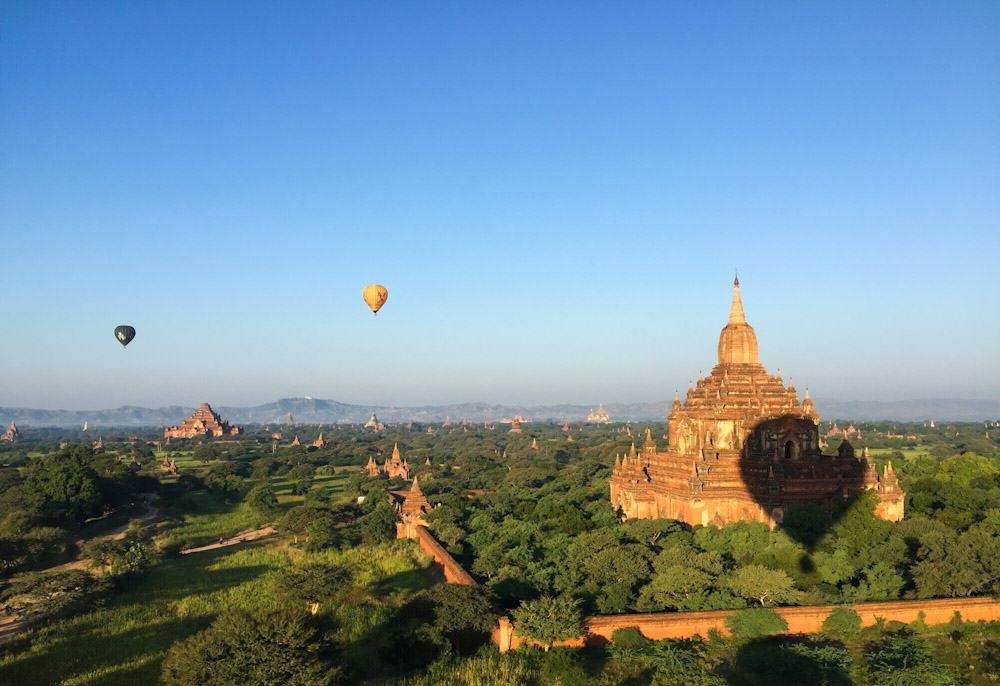 Balloons over Bagan 17