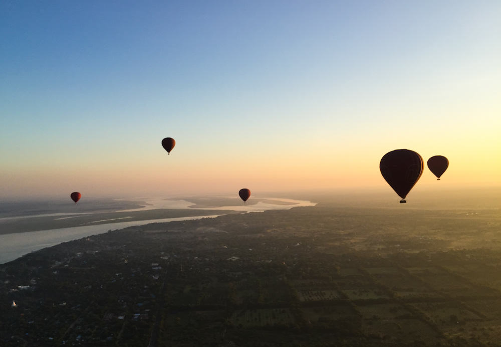 Balloons over Bagan 9