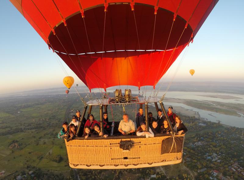 Balloons over Bagan Grp