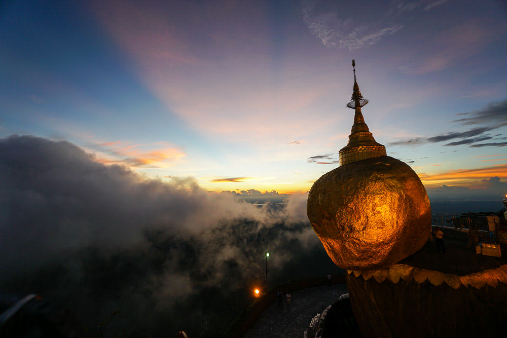 golden-rock-sunset-things-to-do-in-myanmar-5
