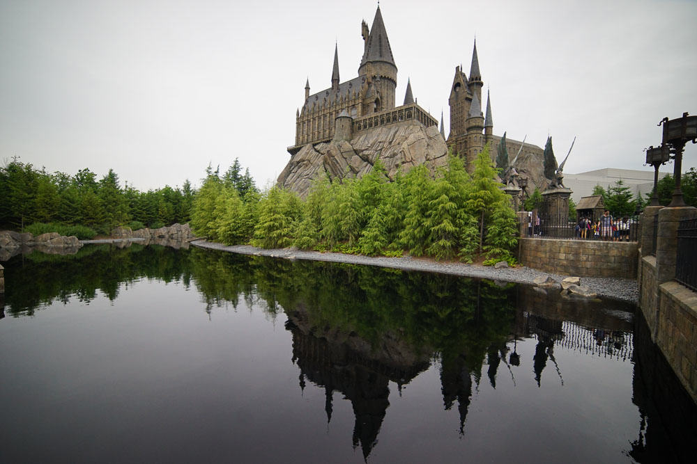 Hogwarts Castle and Lake - Time at Universal Studios Japan-16