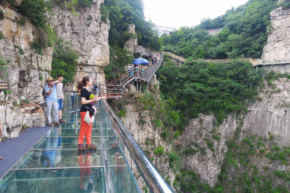 yun-tai-mountain-grand-canyon-china-henan-glass-sky-walk-1