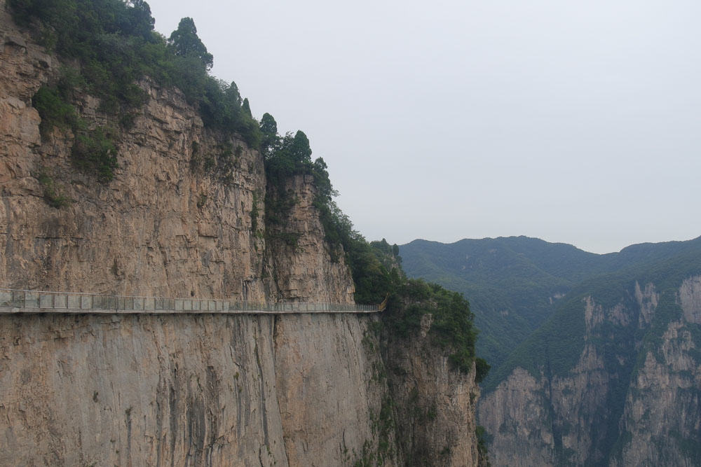 yun-tai-mountain-grand-canyon-china-henan-glass-sky-walk-2