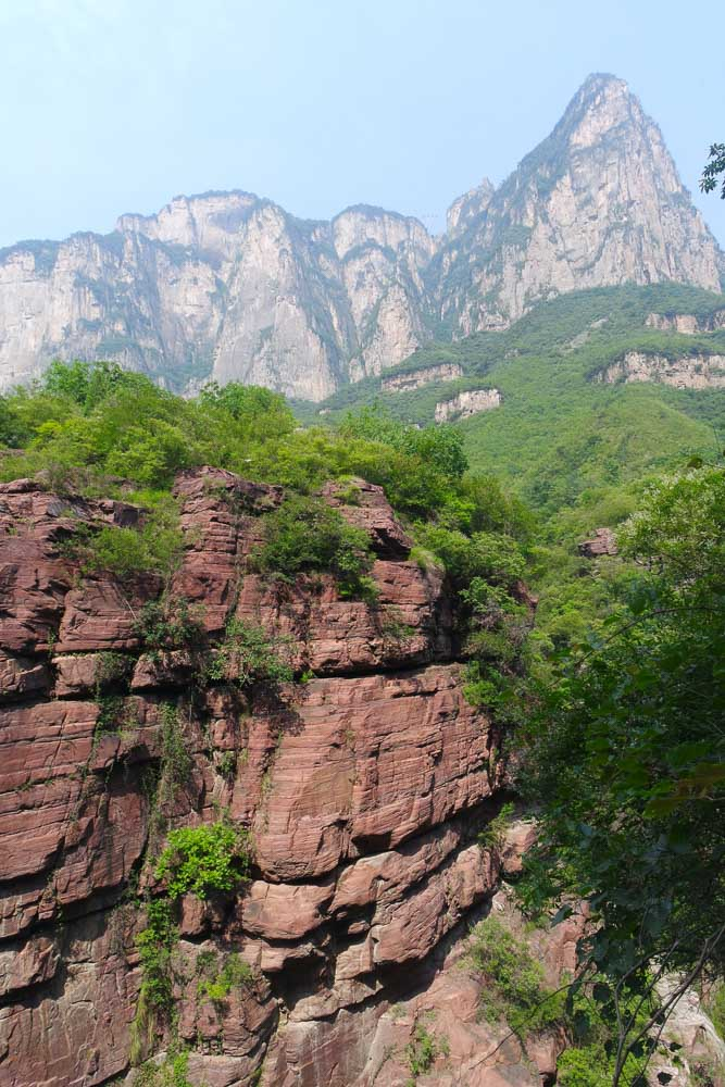 yun-tai-mountain-grand-canyon-china-henan-red-stone-gorge-valley-11