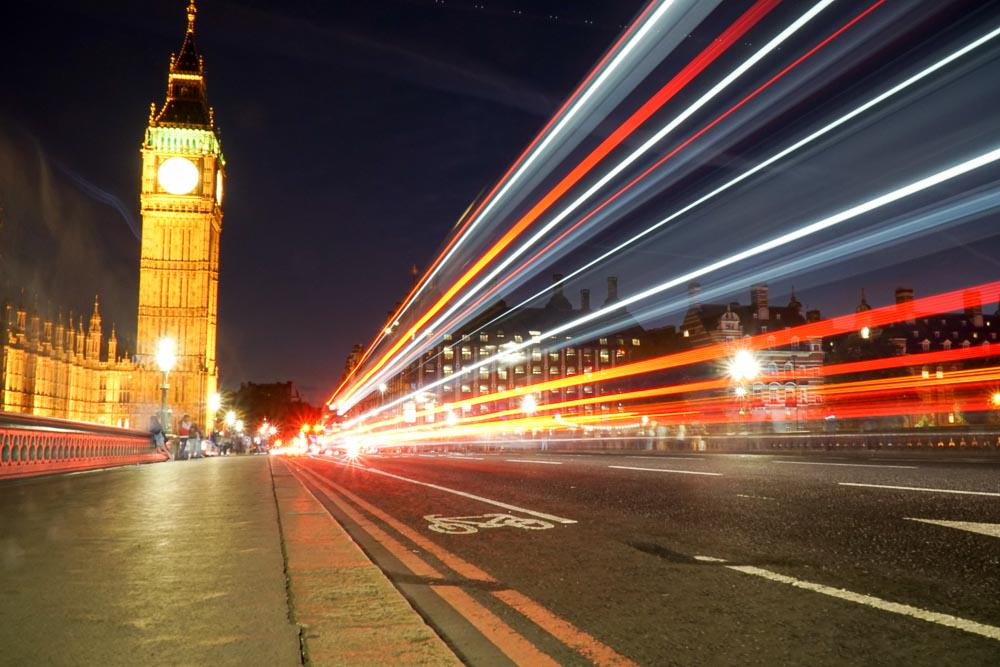Big Ben night - London Budget Guide