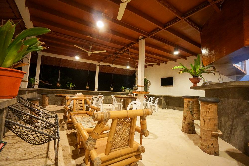 maldives-guesthouse-dinning place at Noovilu