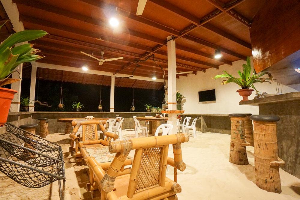 noovilu-suites-dining-area-maldives-budget-guide-18