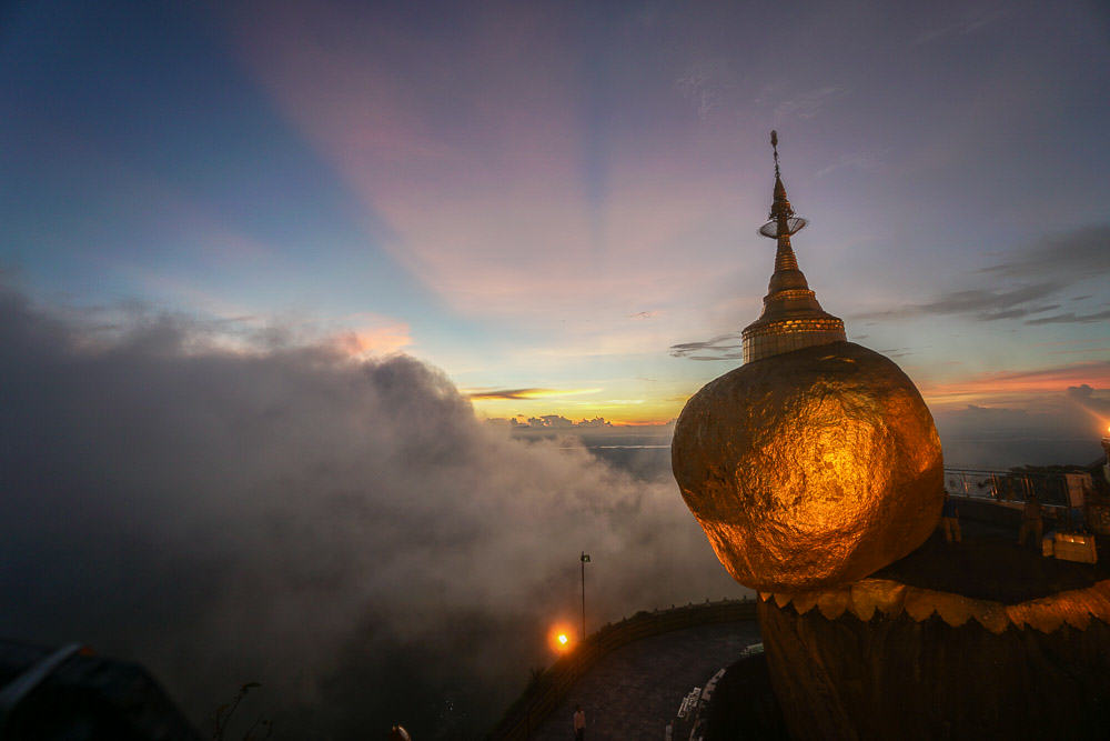 Kyaikhto Golden Rock at Sunset - myanmar-itinerary