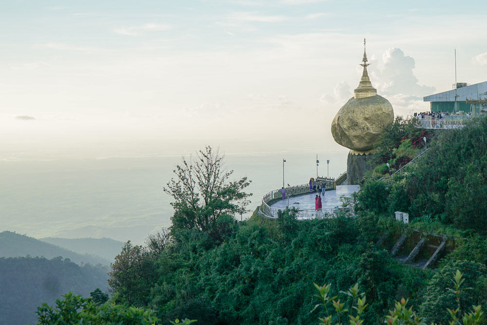 Golden rock on mt Kyaiktyo - myanmar-itineraryv